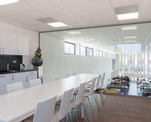 showroom-en-kantoren-met-glaswanden-2