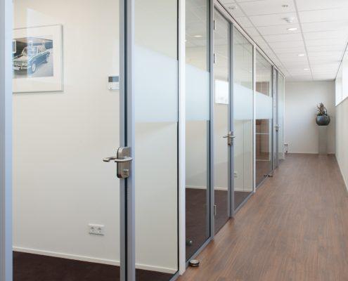 showroom-en-kantoren-met-glaswanden-3